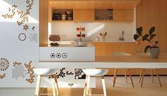 diseñador espacial Josep Ruà transformó un apartamento con un diseño desafiante en Valencia, España en un ático contemporáneo con la máxima funcionalidad. Descrita como una caja completamente aislada del exterior con dos terrazas separadas, el apartamento estaba en la necesidad real de una diferenciación entre el día y las zonas nocturnas. El almacenamiento fue también …