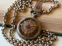 Collar reloj de bolsillo de Steampunk envejecido por LeBoudoirNoir