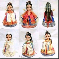 장난감/교육완구/인형>패션/바비인형>디즈니인형 Sock Dolls, Felt Dolls, Blythe Dolls, Disney Baby Dolls, Baby Disney, Disney Princess, Korean Crafts, Disney Animator Doll, Korean Hanbok