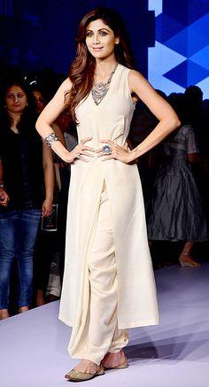 Shilpa Shetty at the grand finale of Lakme Fashion Week Winter/Festive 2015. #Bollywood #LFW2015 #Fashion #Style #Beauty #Hot