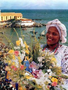 Baiana de Salvador, Bahia, Brazil. Brazilian Samba, Brazilian Women, Salvador, Brazil Culture, Carnival Spirit, Living In Brazil, Orisha, African Diaspora, Travel And Leisure