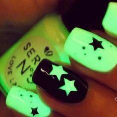 Glow in the dark star nails
