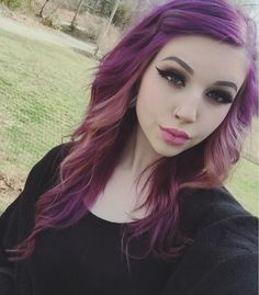 Hey guys I'm America. I love to dye my hair to express myse - Hey guys I'm America. I love to dye my hair to express myse - Pretty Hair Color, Beautiful Hair Color, Hair Color And Cut, Dye My Hair, Mermaid Hair, Hair Highlights, Color Highlights, Purple Hair, Hair Dos