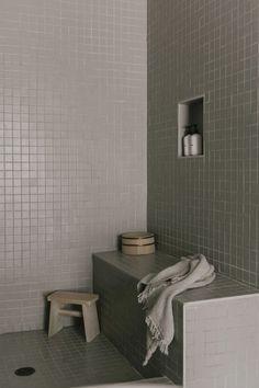 Bathroom Tile: Ideas to Consider When Tiling Your… | Fireclay Tile Mosaic Shower Tile, Bathtub Tile, White Bathroom Tiles, Bathroom Floor Tiles, Mosaic Tiles, Tiling, Diy Kitchen Flooring, Diy Flooring, Shower Niche