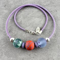 Antique green coral and lilac lampwork beads on by Unventdeliberte, €26.00
