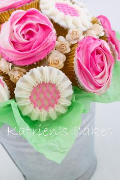 www.katrienscakes.co.za and Facebook Mini Cakes, Facebook, Chocolate, Desserts, Food, Art, Tailgate Desserts, Art Background, Deserts