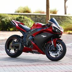 Jessica The Bike Lover ( Ducati, Motos Yamaha, Yamaha Bikes, Cool Motorcycles, Moto Yamaha R1, Yamaha Yzf, Honda Cbr 1000rr, Moto Bike, Motorcycle Bike