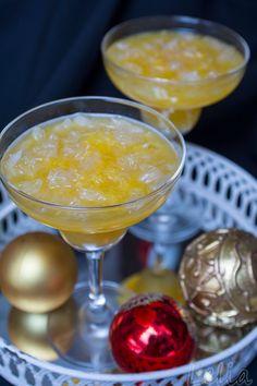 #Pomelo, #Pomelodessert, #Orangengelee Pomelofruchtfleisch in Orangengelee, ein erfrischendes Fruchtdessert. Gelatine, Punch Bowls, Tableware, Orange Juice, Gelee, Meat, Dinnerware, Dishes, Place Settings