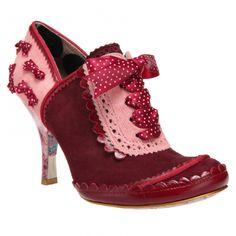 j'aime bien cette petite chaussure.........