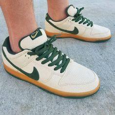 e5c677feb4 2005 #NikeSB #Dunk Low #EMB