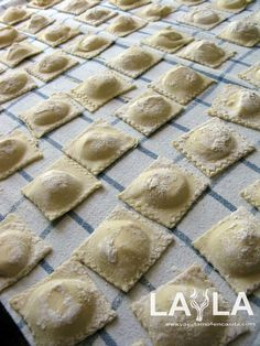 Discover recipes, home ideas, style inspiration and other ideas to try. Spinach And Cheese Ravioli, Gnocchi Pasta, Zucchini Ravioli, Ravioli Sauce, Ravioli Recipe, Gnocchi Recipes, Ravioli Filling, Chicken Ravioli, Side Dishes