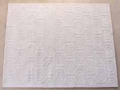 RUG247: 8' x 10' Cream Hand-tufted Wool Pattern Rug (2)