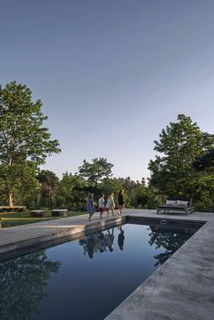 Residence besöker de glada bagarna i Rute Outdoor Spaces, Outdoor Living, Cotswold House, Pella Hedeby, Backyard, Patio, Garden Inspiration, The Great Outdoors, Swimming Pools