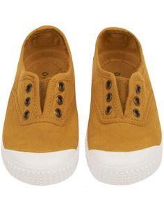 These slip on sneakers seen @eliasandgrace are just so handy & cute #babyccinopickoftheday