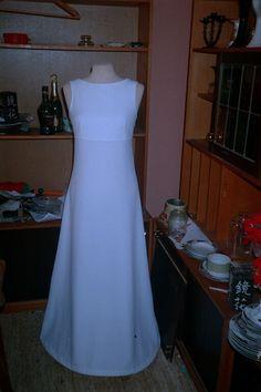 Konfirmations kjole, syet efter en anden.