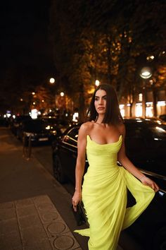 Long Chiffon Yellow Prom Dresses with Irregular Skirt - Long Chiffon Yellow Prom Dresses with Irregular Skirt – loveangeldress Source by - Elegant Dresses, Pretty Dresses, Beautiful Dresses, Moda Paris, Look Fashion, Party Fashion, Dress To Impress, Strapless Dress Formal, Chiffon Dresses