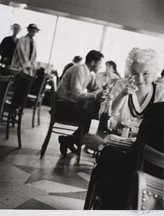 Marilyn (fan photo?)...notice she's shooting with her right hand. Awesome
