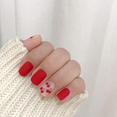 Discover new and inspirational nail art for your short nail designs. Nail Design Glitter, Nail Design Spring, Nails Design, Korean Nail Art, Korean Nails, Red And White Nails, Red Nails, Oval Nails, Shellac Nails
