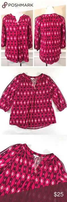 """Crown & Ivy Pink 1/2 Sleeve Geometric Print Top 100% Rayon Chest: 34"""" (17"""" laid flat) Waist: 37"""" (18.5"""" laid flat) Length (shoulder to hem): 22.5""""  Sleeve length: 16.5"""" Crown & Ivy Tops Blouses"""