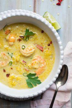 Sopa tailandesa com camarões - tom-kha-gai