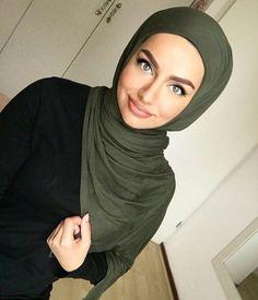 Beautiful Muslim Women, Beautiful Hijab, Modest Fashion, Hijab Fashion, Hijab Style Tutorial, Hijab Makeup, Muslim Beauty, Mode Hijab, Hijab Outfit