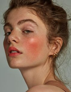 10 Best Mineral Sunscreen Options for the Summer Seasons - Portrait photography - Face Drawing Reference, Human Reference, Art Reference Poses, Photo Reference, Female Reference, Portrait Inspiration, Makeup Inspiration, Style Inspiration, Creative Inspiration