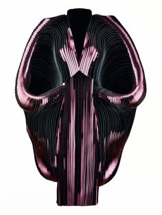 Iris Van Herpen's Extraordinary Clothes Are More Like Wearable Sculptures   WIRED