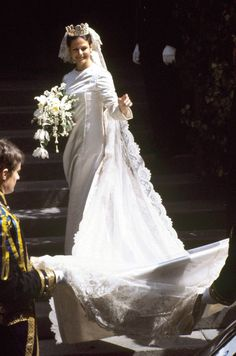Royal Wedding Gowns, Royal Weddings, Queen Silvia, Wedding Bouquets, Wedding Dresses, Royal Brides, Swedish Royals, Royalty, Celebrities