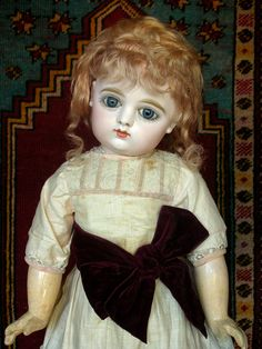 Antique French closed mouth early GAULTIER bebé Doll with sweet face, clothes.