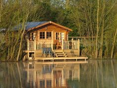 """honestly my dream home:) on a lake our own little """"cabin in the woods"""" Lake Cabins, Cabins And Cottages, Little Cabin, Little Houses, Haus Am See, Cabin In The Woods, Cabin On The Lake, Log Cabin Homes, Lake Cottage"""