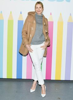 Kelly Rutherford's casual brunch with the girls look inspiration. ~pinned this because... Lily Bass~