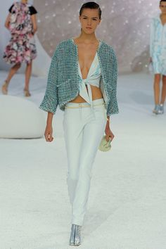 Chanel Spring 2012 RTW - Review - Collections...love LOVE this shell clutch, must have for this mermaid. Adore the entire mer-inspired collection.