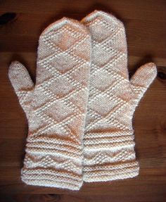 Free knitting patterns for adult gloves and mittens. Make a pair of mittens for yourself and another as a gift. Knitted Mittens Pattern, Knit Mittens, Knitted Gloves, Knitting Socks, Knitting Patterns Free, Free Knitting, Free Pattern, Fingerless Mitts, Wrist Warmers