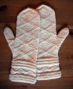 Free Knitting Pattern - Adult Gloves & Mittens: Citadel Mittens