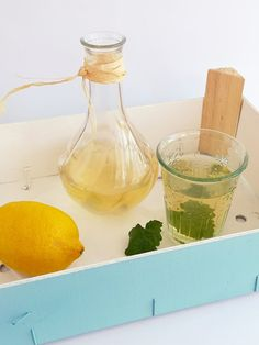 Citromfű szörp házilag | A napfény illata Patchwork Tutorial, Preserves, Pickles, Summertime, Food And Drink, Canning, Drinks, Recipes, Glass