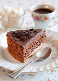 שווה את ההשקעה. עוגת מוס שוקולד עשיר ( צילום: יוסי סליס, סגנון: נטשה חיימוביץ' )