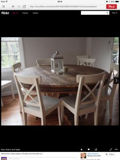 Round Dining Room Table And Chairs Kitchen Table Chairs, Kitchen Dining, Dining Rooms, Dining Sets, Kitchen Nook, Small Dining Room Tables, Dining Chairs, Family Kitchen, Diy Kitchen