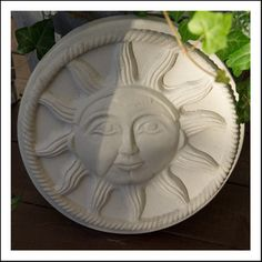 The sun always shines in this plastic mold. High quality, lasts for many many castings, size 30 cm Find this and several other molds in our webshop http://www.wsochcompany.ss