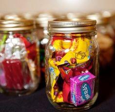 Mason jars para fiestas! Super lindos whats 5563494315 #mason #jar #mukka #candy #favors #df