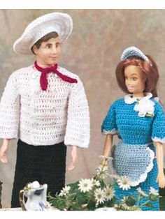 Get your fashion dolls ready to work as a chef and a waitress. Eggs over easy, anyone?Doll size: 12 inches (appx)Skill Level: Easy