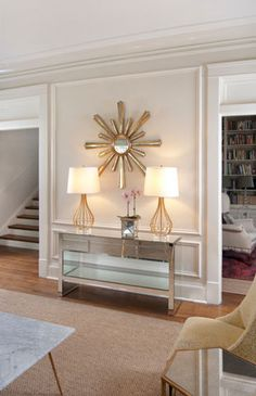 Jackie Gold Leaf Starburst Mirror from Worlds Away. Love the lamps and console… Gold Sunburst Mirror, Living Room New York, Mirrors For Sale, Modern Console Tables, Eclectic Living Room, Living Room Seating, Modern Interior Design, Decoration, House Design
