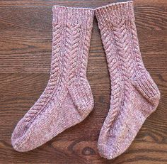 A warm and sturdy winter sock, with a simple cable to keep you from getting bored. These knit up quickly as the yarn is thicker than most sock yarn. They are fulled - not felted - which makes them warmer and softer. Cable Knit Socks, Crochet Socks, Knitted Slippers, Knitting Socks, Hand Knitting, Knit Crochet, Slipper Socks, My Socks, Cool Socks