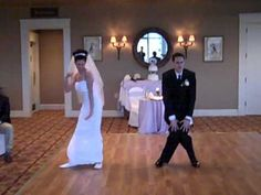 ▶ Funny Wedding First Dance - YouTube