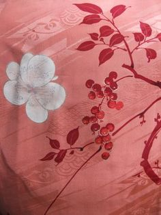 ☆ New Arrival☆ 'Women's #vintage #Japanese #silk #kimono with #floral pattern from #FujiKimono