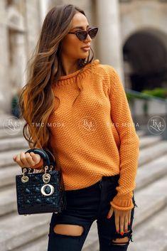 Dámsky pletený oversize sveter s rolákom v morskej modrej farbe. Turtle Neck, Sweaters, Clothes, Dresses, Life, Decor, Fashion, Outfits, Vestidos