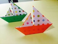 Origami yacht      折り紙「ヨット」の折り方 - YouTube Origami Boat, Origami Easy, Origami Paper, Tree Crafts, Paper Crafts, Gato Origami, Triangle, Crafts For Kids, Papercraft