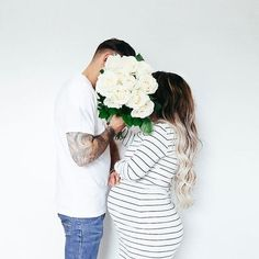 Pregnancy is a wonderful time in a couples life. NJPA is here to help you get through any difficulties you may have along the way. Cute Pregnancy Photos, Maternity Pictures, Baby Pictures, Maternity Session, Maternity Photography, Family Photography, Cute Maternity Shirts, Family Photo Outfits, Cute Photos