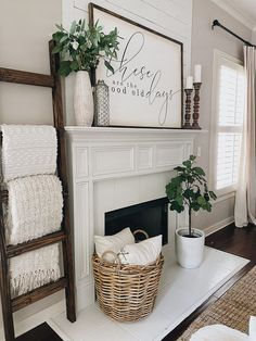 New Living Room, My New Room, Home And Living, Living Room Wall Decor, Living Room Ideas, How To Decorate Living Room, Living Room Decorations, Plants In Living Room, Cozy Living Rooms