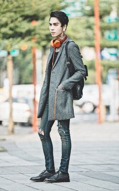 IVAN Chang - Tastemaker 達新美 Coat, Asos Superskinnyjeans, Sony Sonyhear - 161015 TODAY STYLE | LOOKBOOK