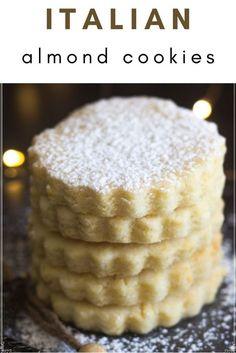 Italian Wedding Cookies, Italian Almond Cookies, Wine Cookies, Cut Out Cookies, Delicious Desserts, Yummy Food, Fruit Tart, Italian Desserts, Holiday Cookies